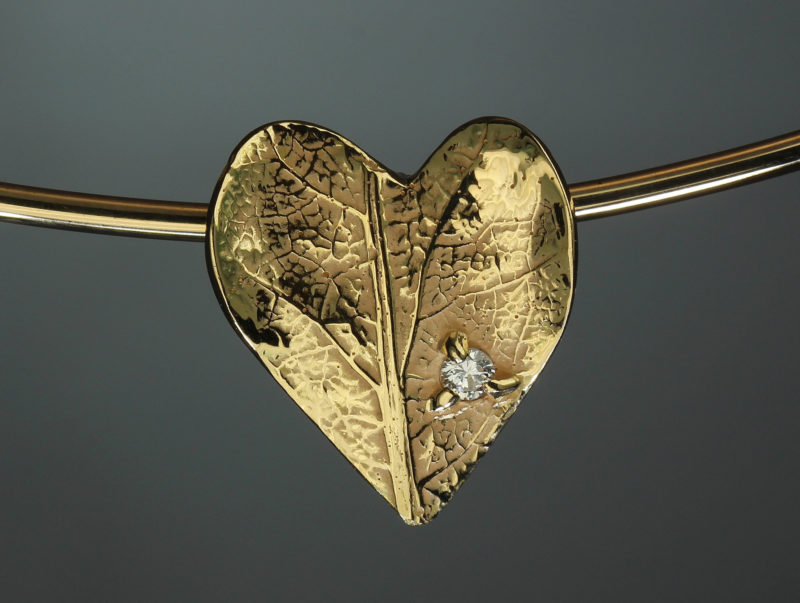 Pendentif original nature artisanal or jaune