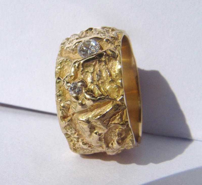 """Arbre des Eléments """"Version très large"""" - Alliance mariage originale artisanale en or jaune et diamants"""