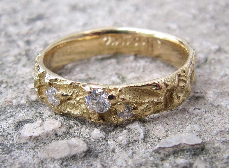 """Arbre des Eléments """"Altaïr"""" - Alliance mariage originale artisanale en or jaune et diamants"""