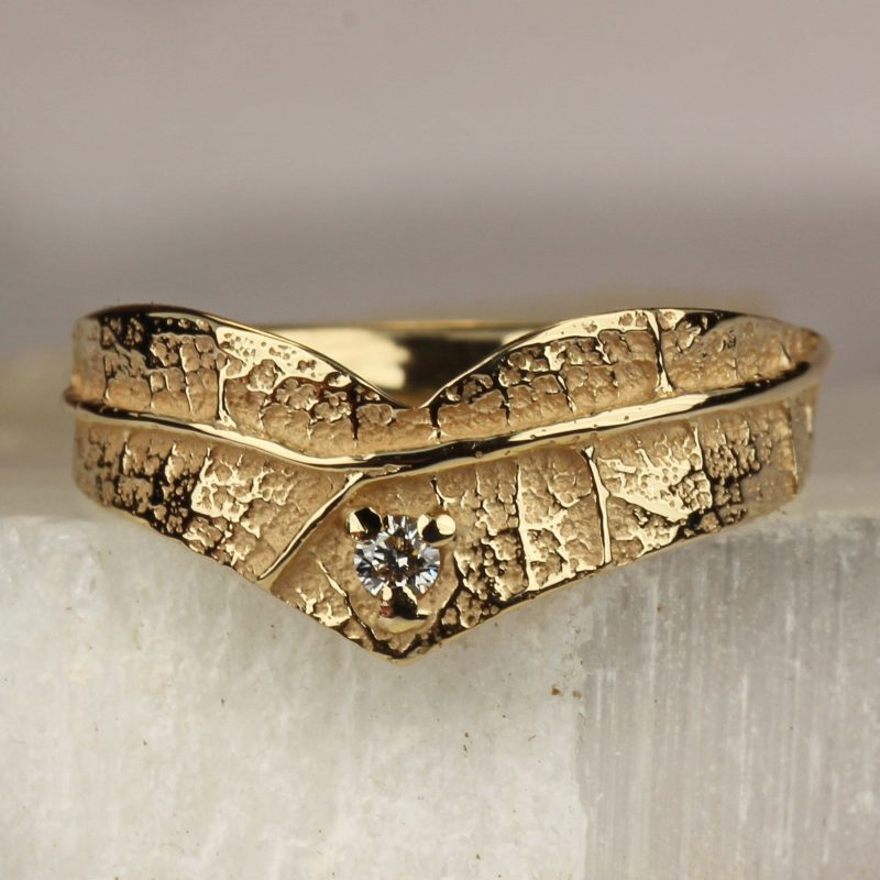 Bague cœur en or et diamant texture feuille Ligne de vie