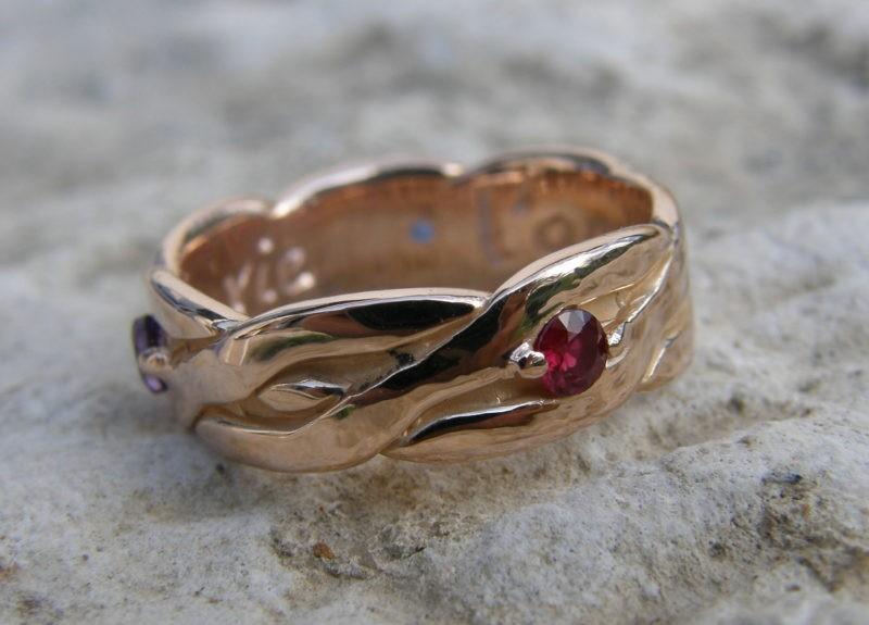 Bague médiévale originale or rose rubis saphir améthyste
