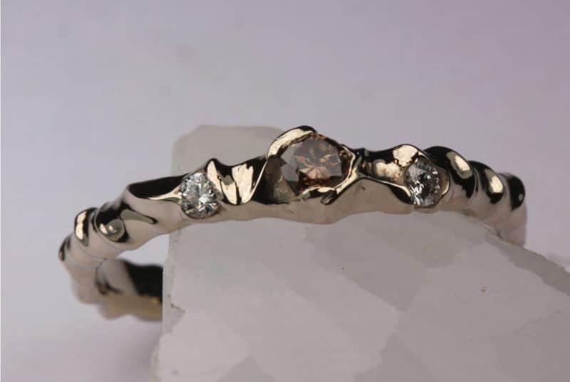 création artisanale originale Princesse des elfes diamants blancs et brun