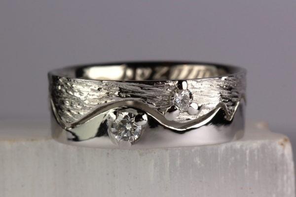 anneau en deux parties démontables en platine textures Love et Magicien du printemps