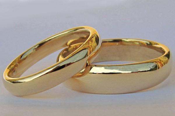 Alliance demi jonc Love or jaune poli