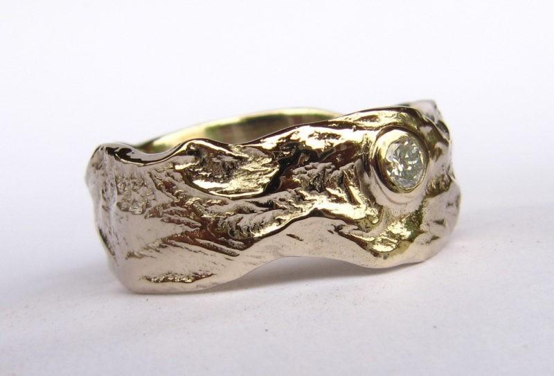 Bague de mariage originale or blanc naturel poli et 1 diamant serti clos