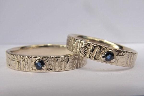anneau or saphir - Couple d'alliances Porte ouverte